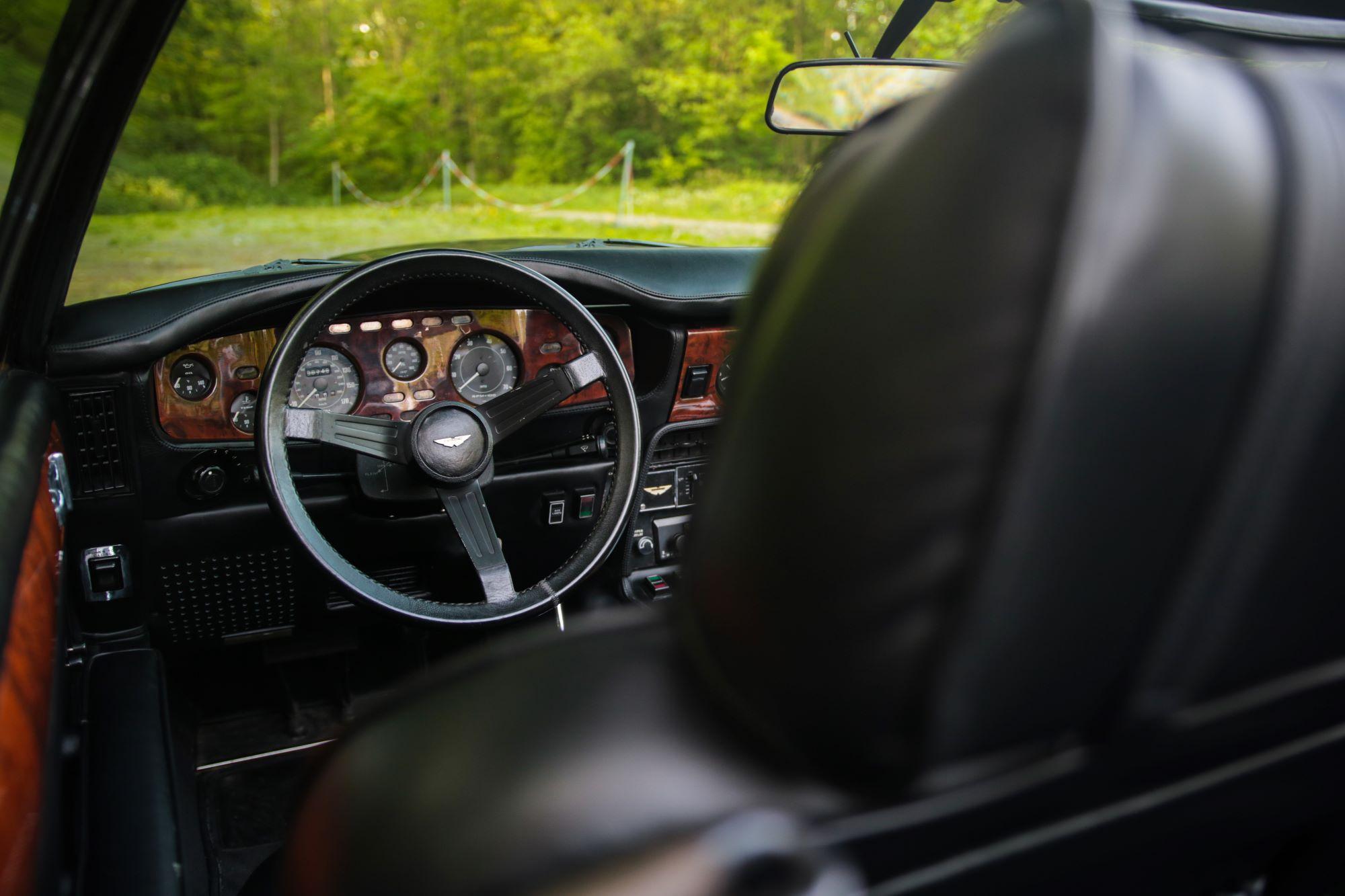 V8 Volante-3