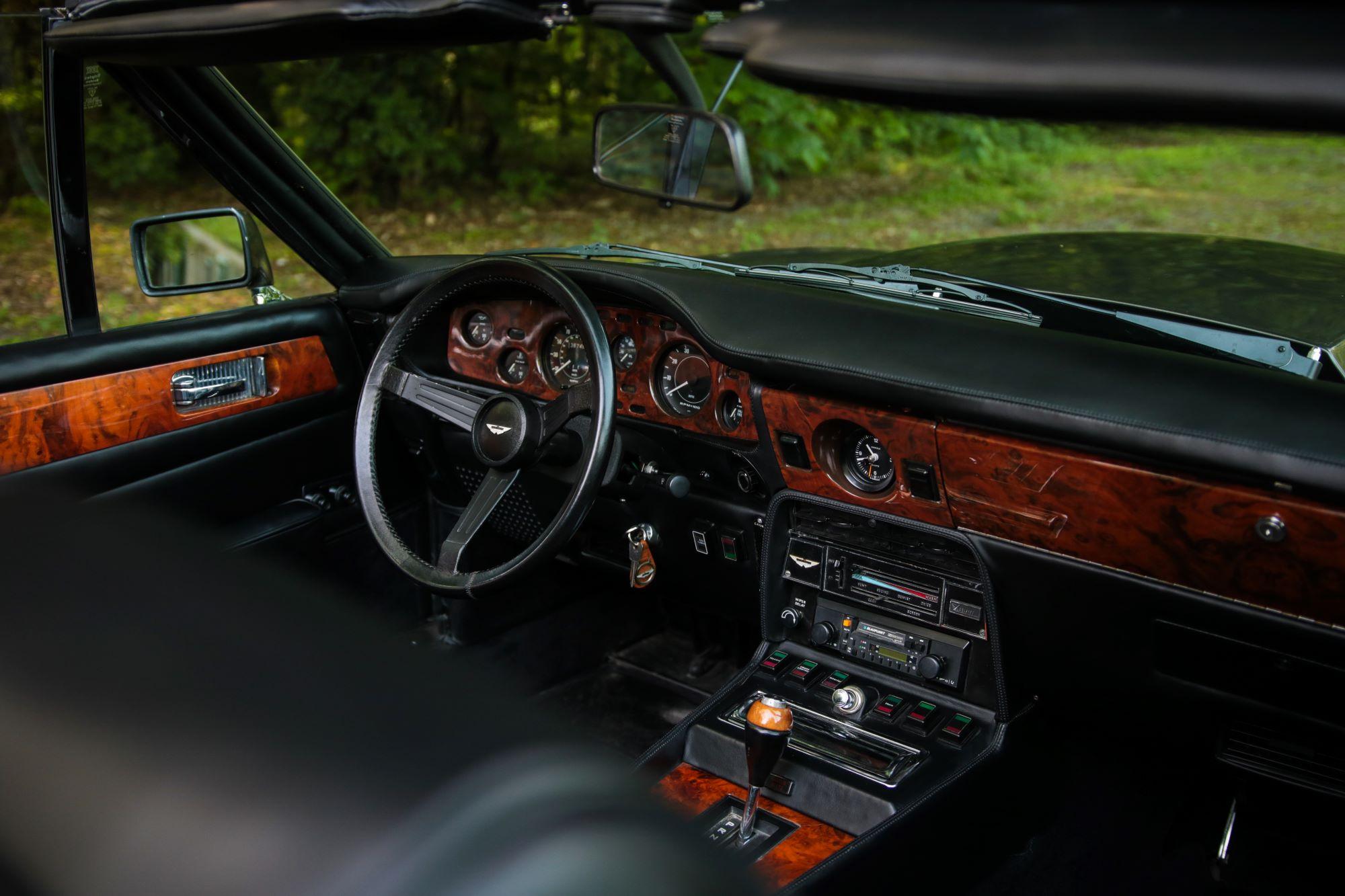 V8 Volante-5