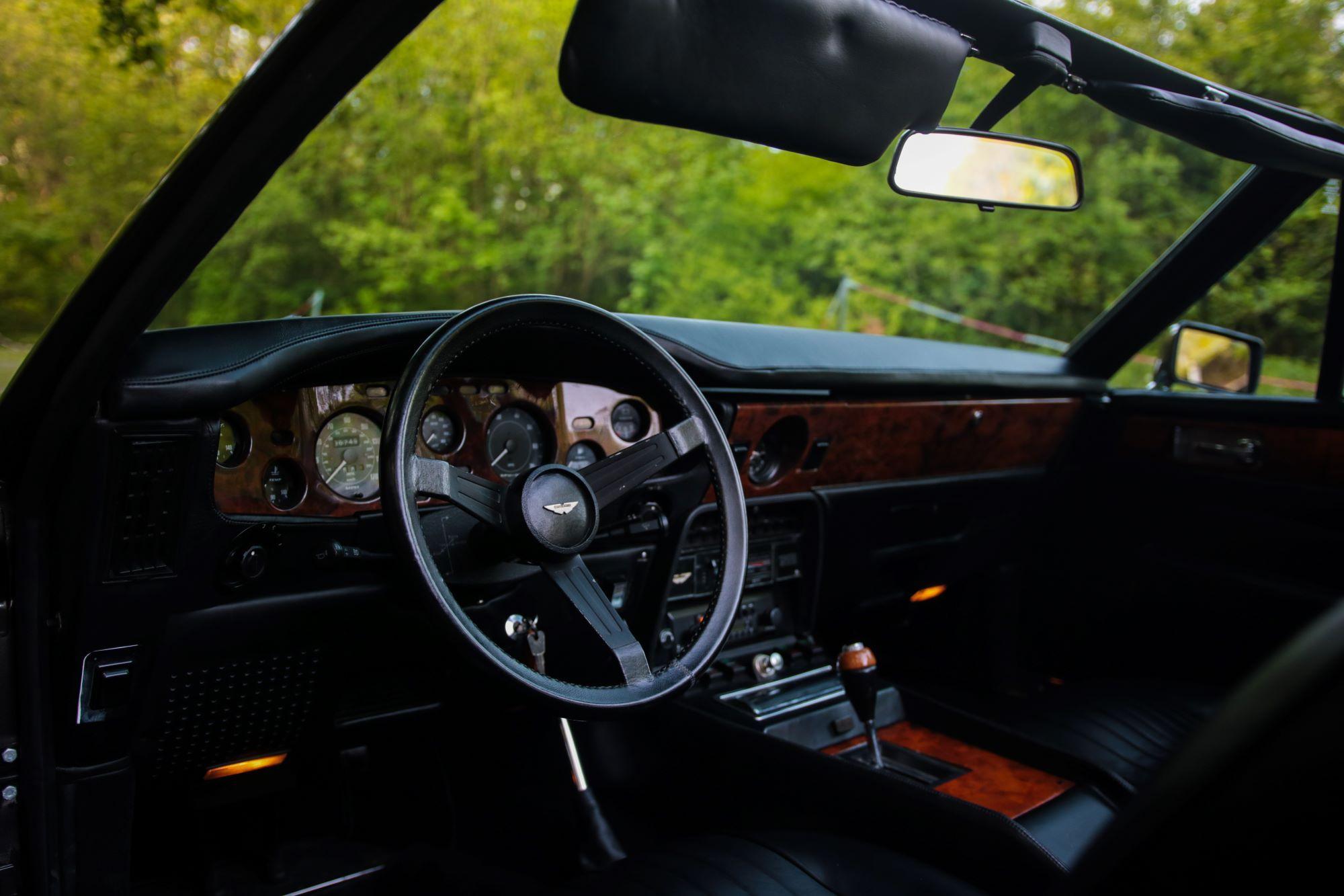 V8 Volante bis